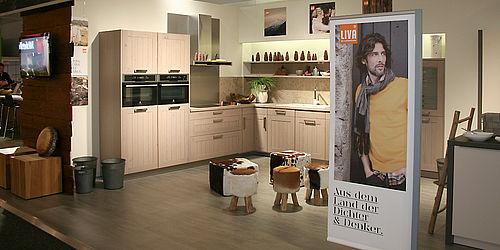 garant m bel gruppe von alpengl hen und bergsteiger. Black Bedroom Furniture Sets. Home Design Ideas