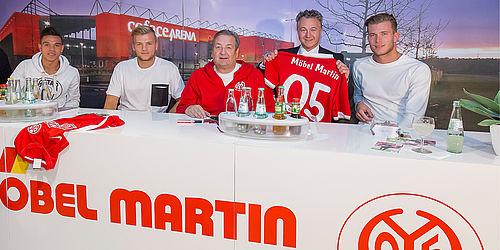 M bel martin autogrammstunde mit bundesliga stars - Mobel martin mainz hechtsheim ...