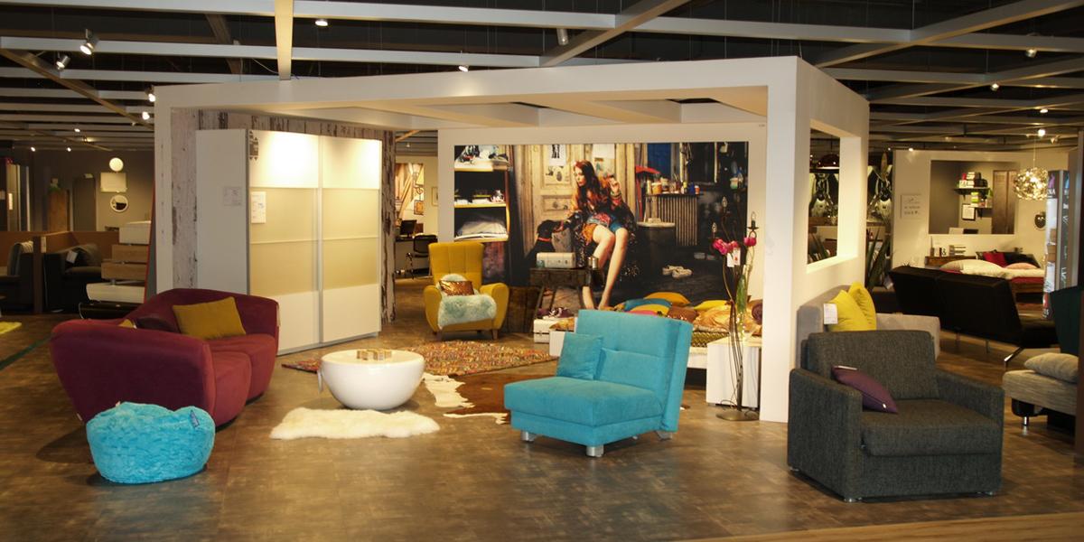 m bel berta erstrahlt in neuem glanz. Black Bedroom Furniture Sets. Home Design Ideas